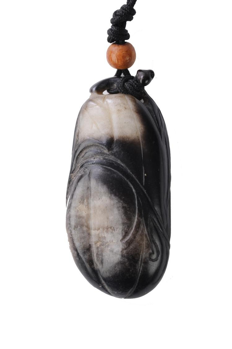 Black & White Jade Melon Toggle, Ming Dynasty