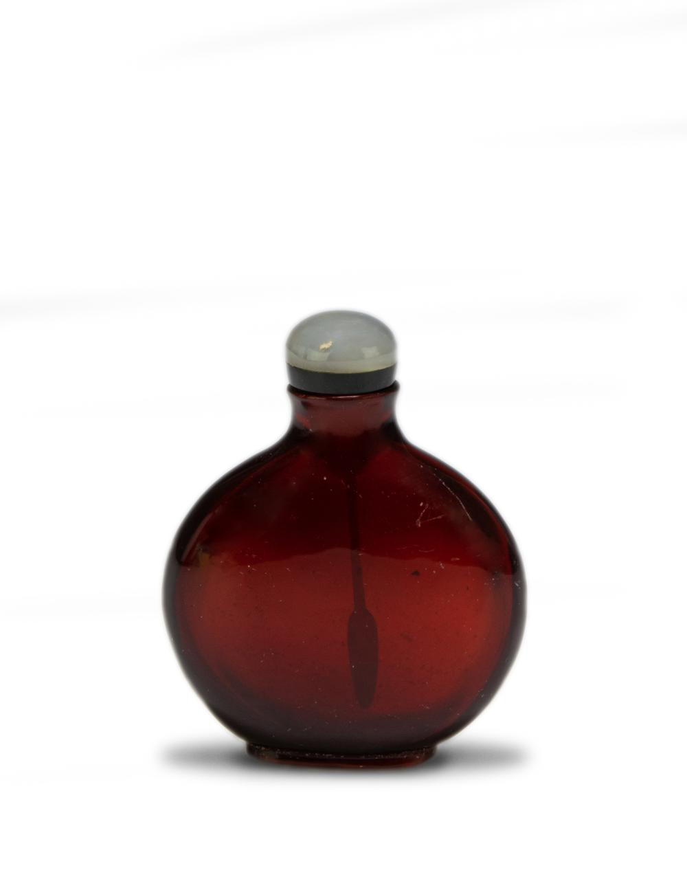 Lot 618: CHINESE RED PEKING GLASS SNUFF BOTTLE, 19TH CENTURY
