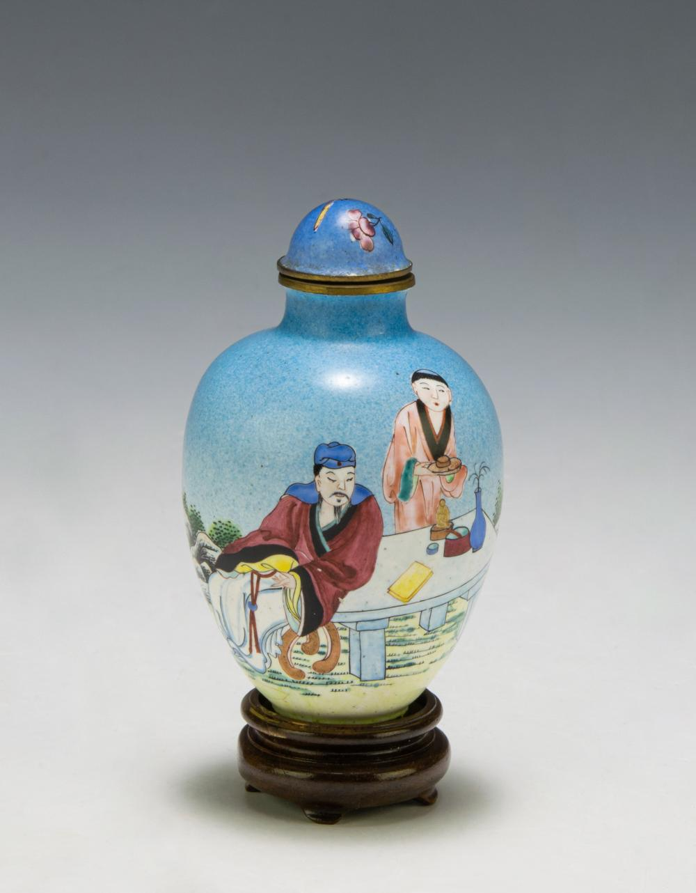 Lot 634: CHINESE ENAMEL SNUFF BOTTLE, 18-19TH CENTURY