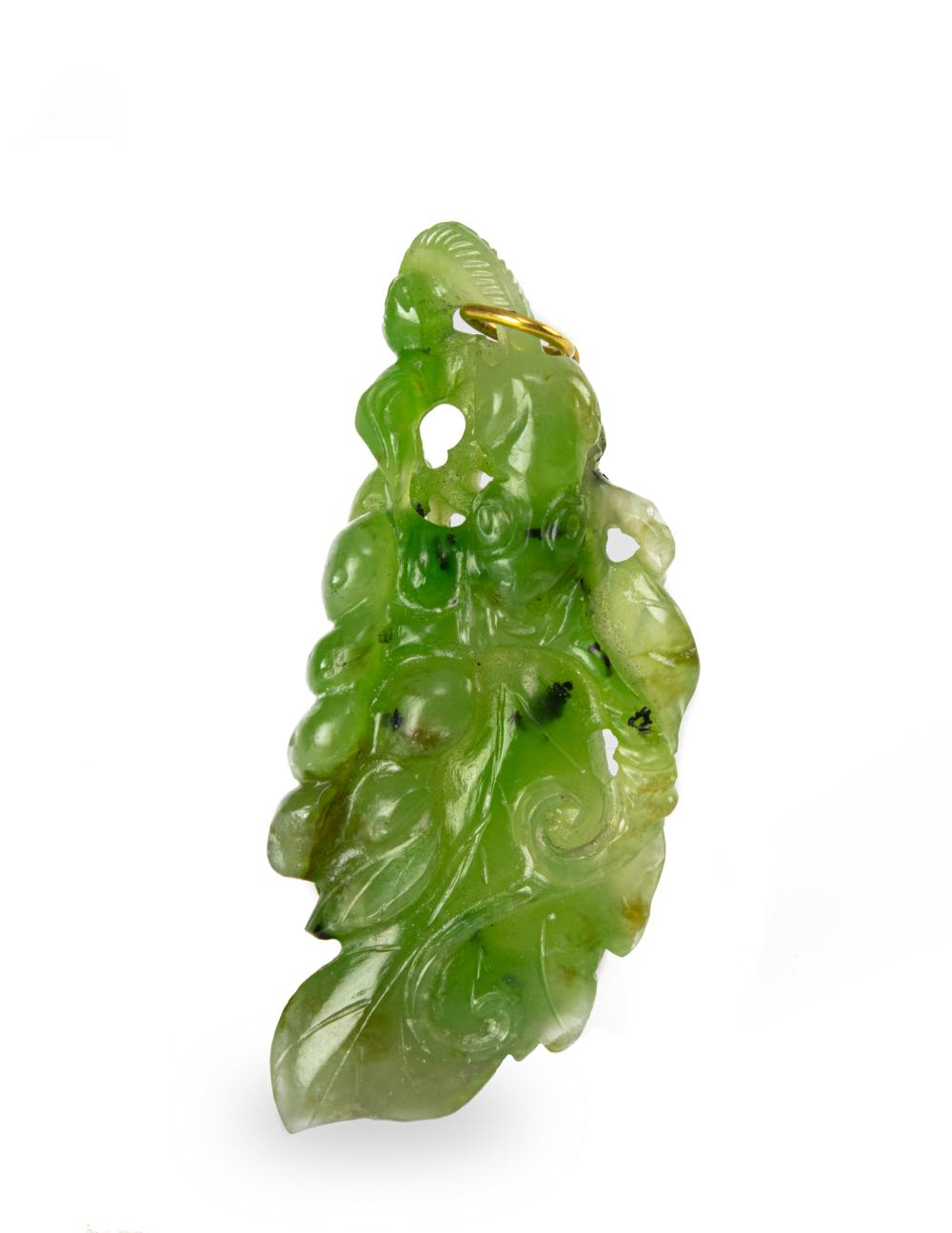 CHINESE SPINACH JADE TOGGLE, 19TH CENTURY