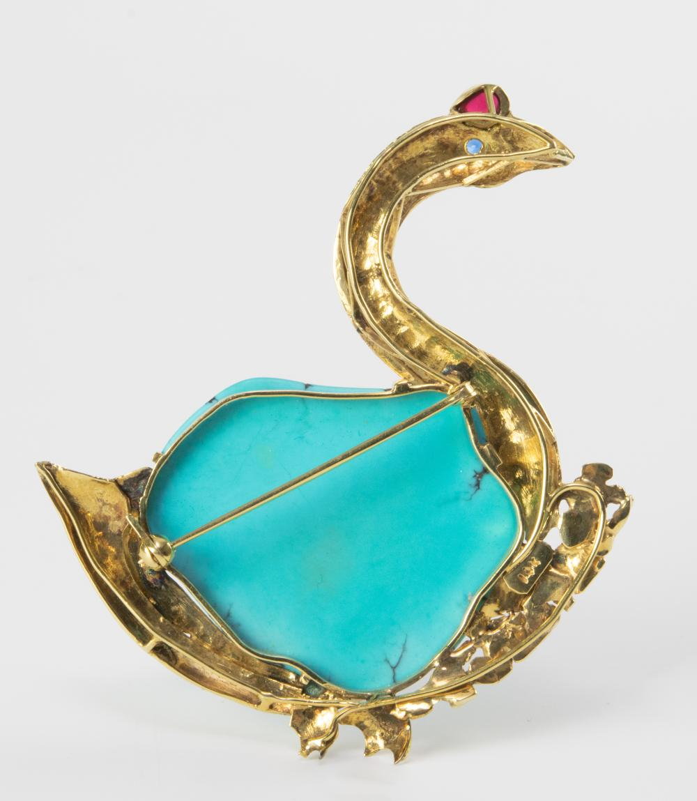 Lot 908: CHINESE 14K GOOSE BROOCH WITH TURQUOISE