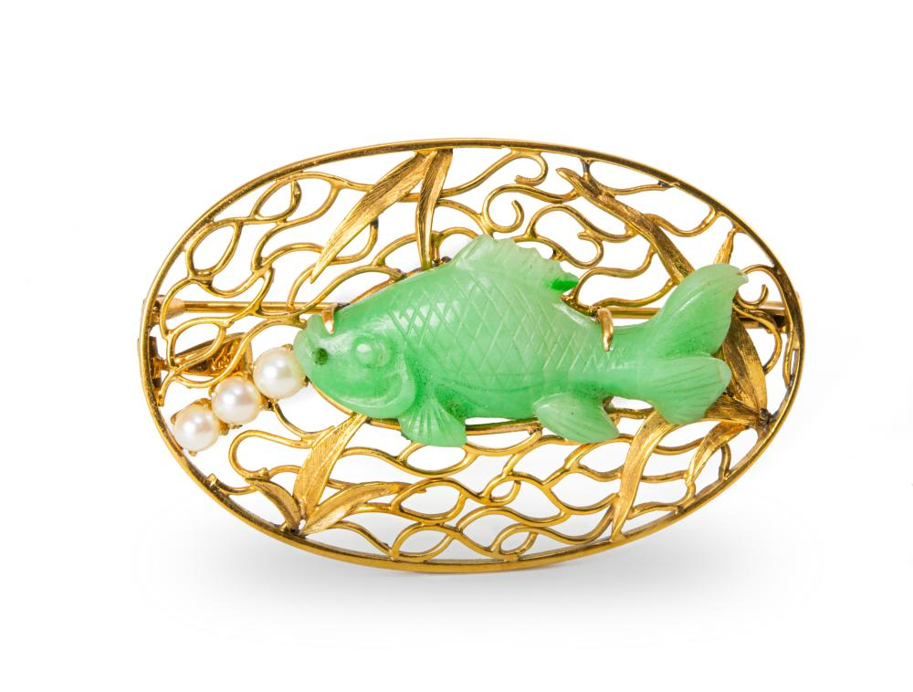 CHINESE 14K BROOCH WITH 19TH CENTURY JADEITE FISH