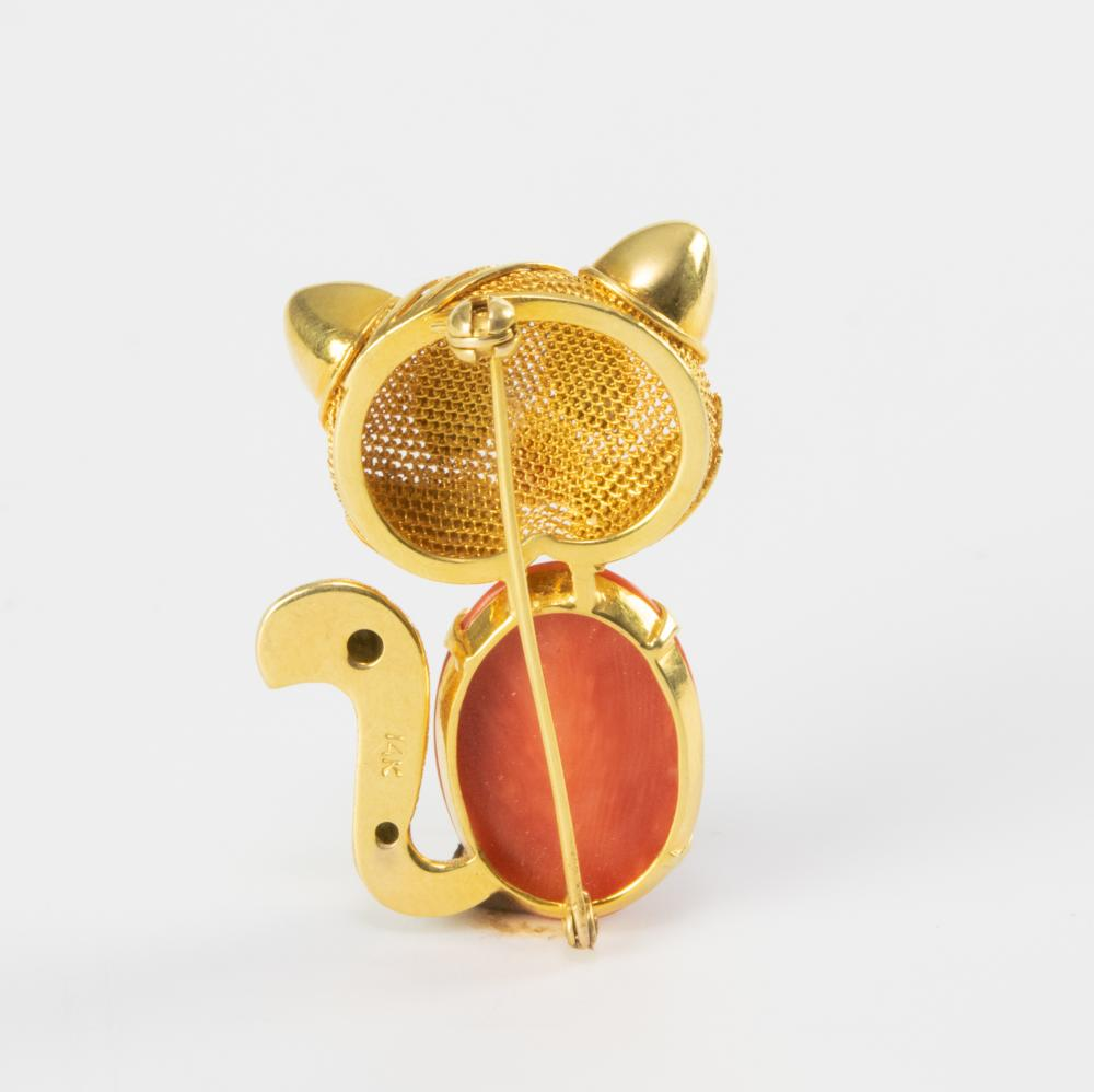 Lot 918: CHINESE CORAL CAT 14K BROOCH