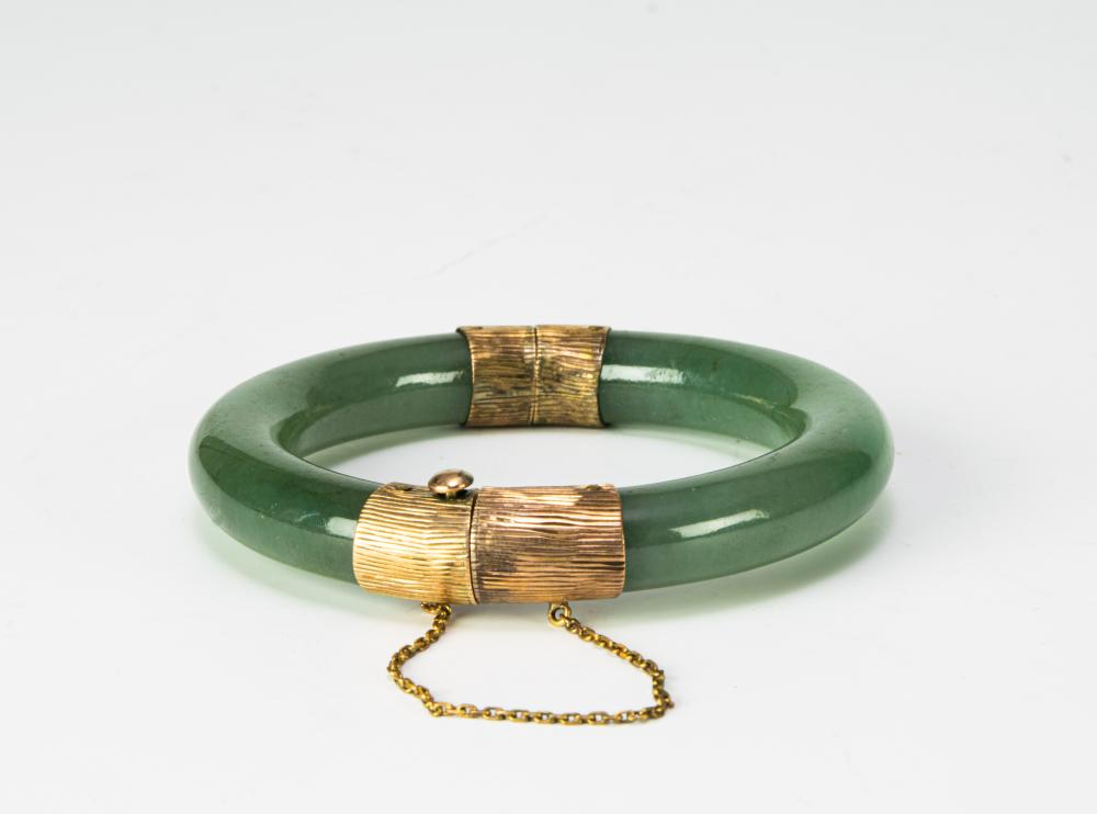 Lot 930: CHINESE JADEITE BANGLE WRAPPED WITH 14K GOLD