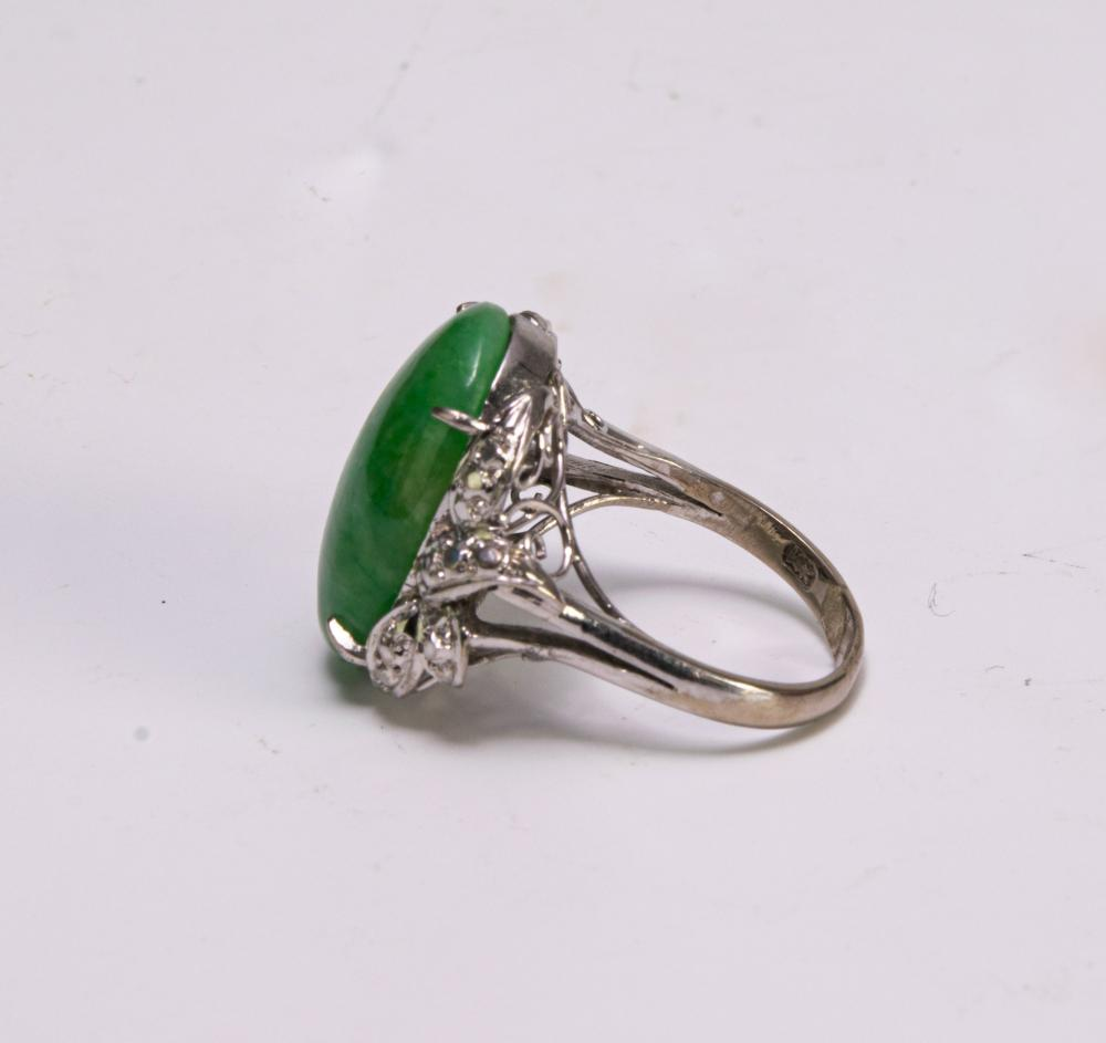 Lot 963: WHITE GOLD RING WITH JADEITE AND SMALL DIAMONDS