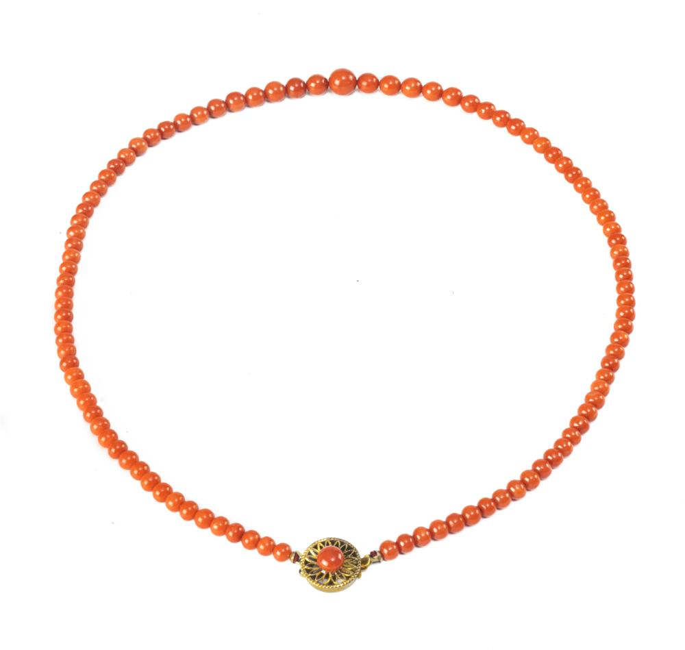 CHINESE CORAL NECKLACE, 19TH-20TH CENTURY