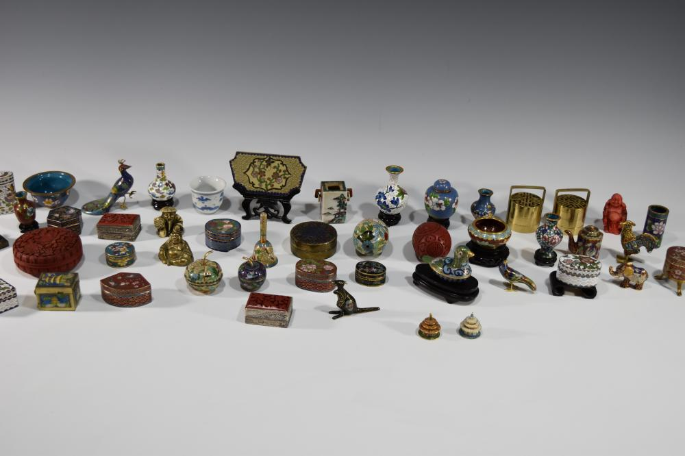 BOX LOT OF CHINESE CLOISONNE ITEMS