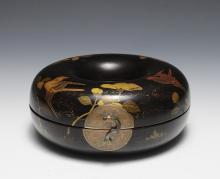 JAPANESE RING SHAPED LACQUER BOX, 19TH C