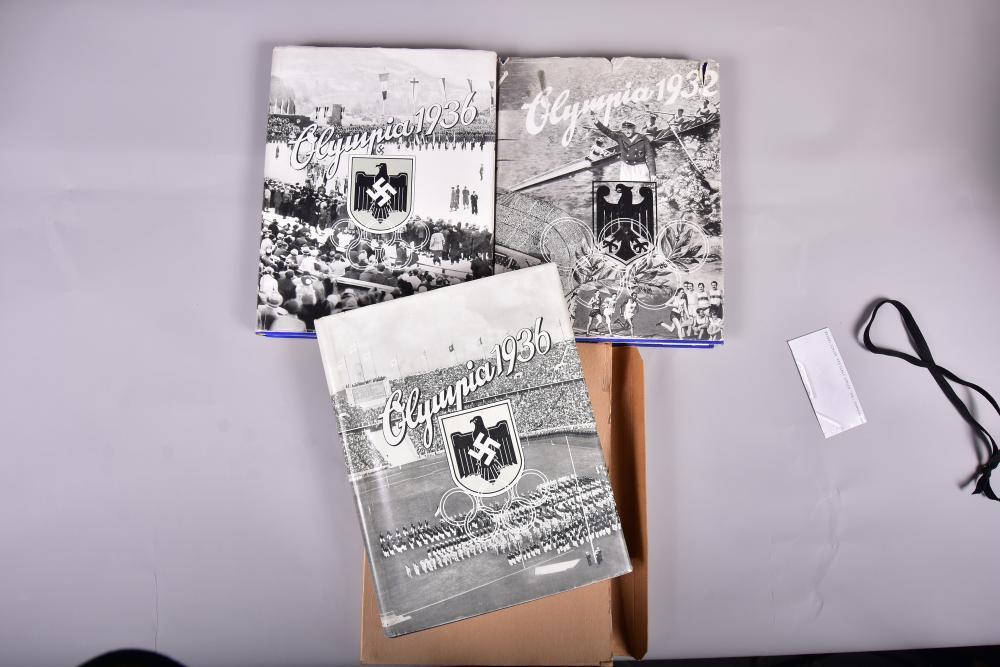 """""""Die Olympischen Spiele"""" Band 1 u. 2 v. 1936, 1. Band v. 1932, herausg.v. Cigarettenbilderdienst Hamburg- Bahrenfeld, gut erhalten"""