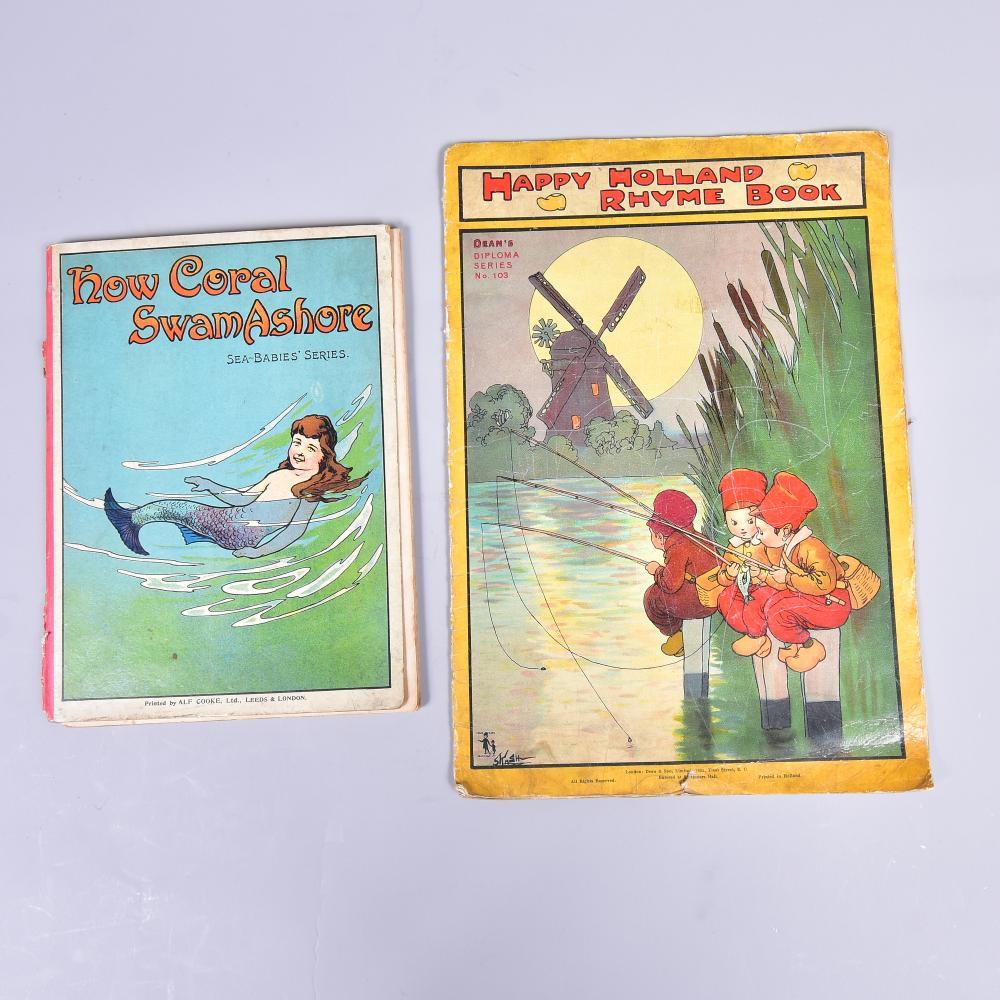 """2 Stück englische Kinderbücher, """" How Coral Swam Ashore"""" publ. von T. Fisher Unwin London und """"Happy Holland Rhyme Book"""" um 1930/40, gebrauchter Zustand"""