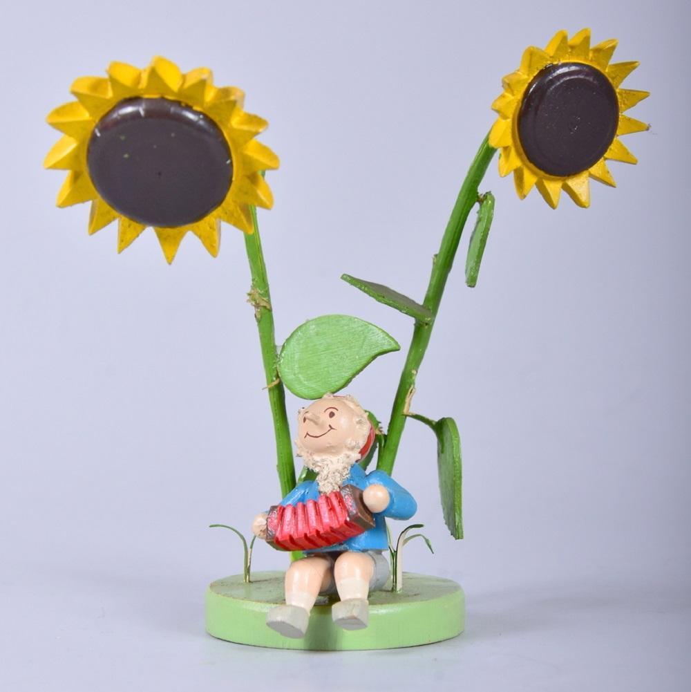 Aufstellfigur, Harmonikaspieler unter Sonnenblumen, Geschwister Steinbach Hohenhameln, um 1930/40, leichte Altersspuren, H 12cm