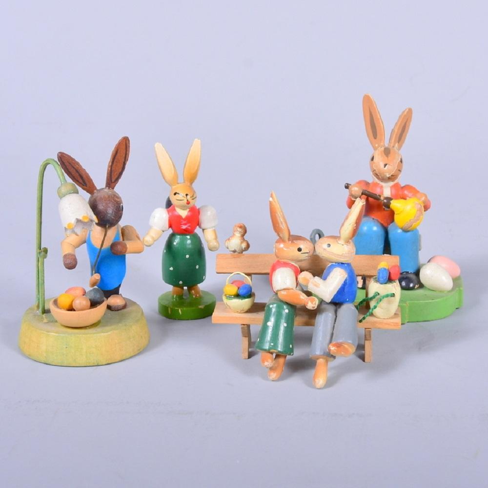 Konvolut Osterhasenfiguren, Erzgebirge, 5 Stück, H bis 8,5cm, leichte Farbverluste