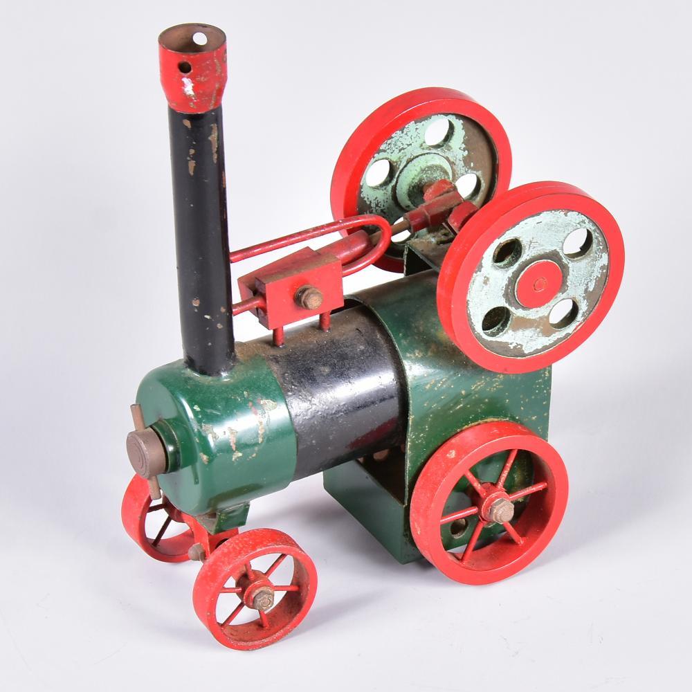 "Modell ""Lokomobil"", fahrbereit, ungemarkt, Brenner fehlt, um 1920, L 13cm, H 18,5cm"