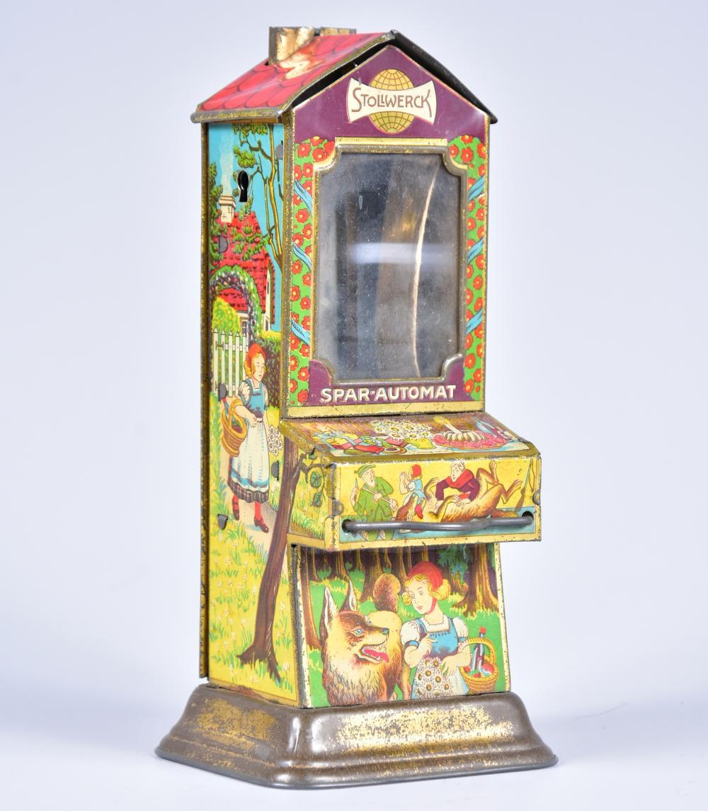 """Sparautomat Fa. Stollwerck mit Motiven aus dem Märchen """"Rotkäppchen und der Wolf"""", absolute Rarität, erstes Exemplar um 1890, sehr guter Zustand, Schlüssel fehlt, H= 16cm"""