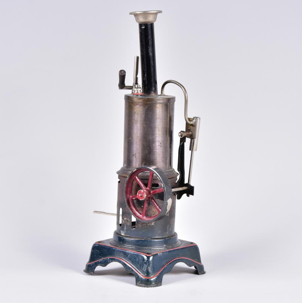 Dampfmaschine mit stehendem Kessel, komplett mit Schornstein, Überdruckpfeife und Brenner, Firma Bing-Werke Nürnberg, um 1925-1934, sehr guter Zustand, H 26cm