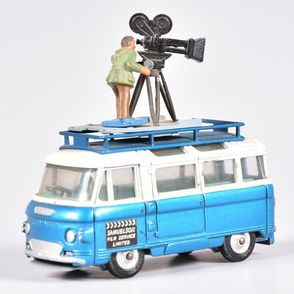 """""""Commer Bus 2500"""" mit Kameramann, Corgii Toys, sehr gut erhalten"""