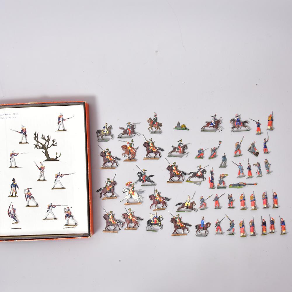 Konvolut Zinnsoldaten Flachfiguren bemalt, u.a. Frankreich 1812 -leichte Infanterie, Sachsen, Preußen u.a., H ca. 4cm