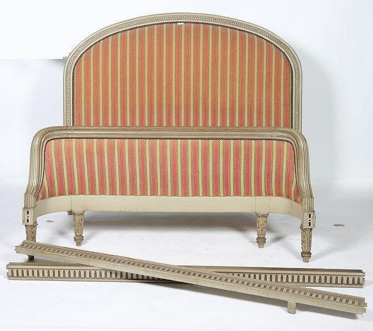 lit corbeille de style louis xvi en bois laqu et scult. Black Bedroom Furniture Sets. Home Design Ideas