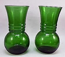 1-Pair Green Art Glass Mini-Vases