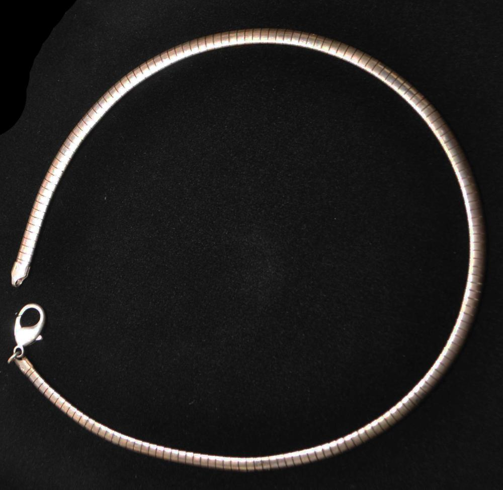 16in. Sterling Silver Serpentine Becklace