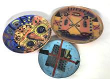 Clementina Van Der Walt (1952-): A Stoneware 'Abstract' Plate