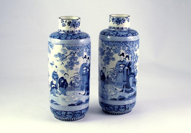 A Pair of Booths Silicon China Blue and White 'Ming' Vases, Early 20th Century