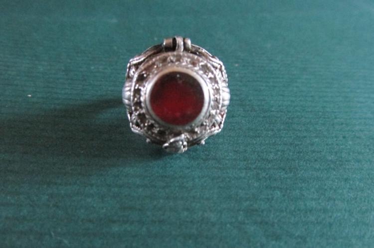 Vintage Cornelian Poison Ring