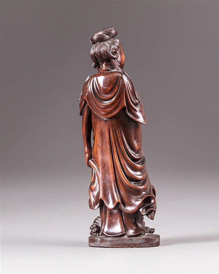 A boxwood carving of lady