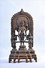 AN EXQUISITE COPPER/BRONZE STATUE OF STANDING VISHNU WITH TWO ATTENDANTS
