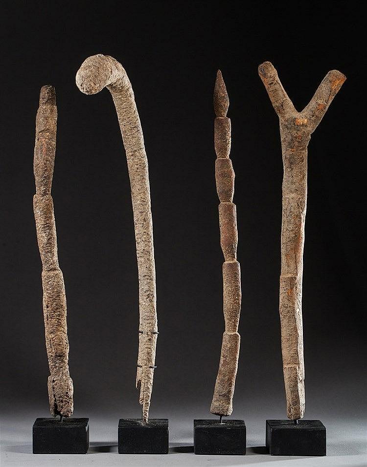 Ensemble de quatre chelles votives en bois pati for Echelle decorative bois