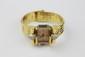 MONTRE tank en or jaune des années 50 le cadran bombé en cristal de roche orné de volutes en diamants bombées  Poids brut : 75,5