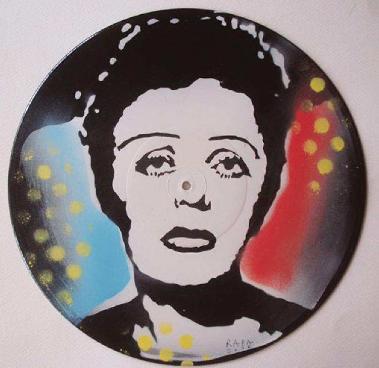 RABA  (né en 1957) PIAF, 2012 Acrylique sur disques 33t  Signée, datée et titrée au dos