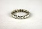 ALLIANCE en or gris ornée de diamants de taille brillant. Poids brut : 2,9 g TDD : 56 1/2