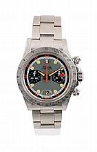 TUDOR Chrono Porsche Monte Carlo 1972 Ref : 7032-0 Numéro de série : 759956 Montre en acier, bracelet oyster plié en acier, boitier rond, lunette tachymétrique acier poli mat cuirculaire, base 500. Couronne, poussoir et fond de boite vissés signé