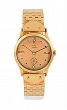 MONTRE en or jaune, le bracelet en or jaune maille briquette, le cadran or de forme ronde, index et chiffres romains, trotteuse à six heures. Mouvement mécanique à remontage manuel. Dim : 32 mm  A yellow gold wristwatch.