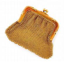 Porte monnaie maille en or jaune. Poids brut : 33 gr