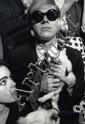 Jean Jacques Bugat Andy Warhol chez Castel. Vogue. Projet de parution. Tirage argentique original réalise par l'Artiste. Signature et annotation manuscrite au dos. Circa 1965. 40 x 50 cm.
