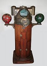 Gros compas à alcool avec ses deux boules verte+rouge, éclairant, (poids de l'ensemble 50 Kg .