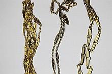 LOT DE DEUX CHAINES DE MONTRE en or jaune finement ciselé. Poids brut: 52,9 g