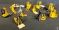 Lot de 12 miniatures d'engins de levage