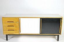 CHARLOTTE PERRIAND (1903-1999)  Modèle créé pour les logements de la Cité minière de Cansado en Mauritanie, circa 1959/67.