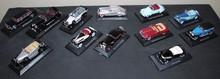Lot comprenant 12 miniatures au 1/43ème : Mercedes Benz, Maybach, Duesenberg, Bucciali, Perce Arrow, Graham Paige, Lincoln, Cord, La,cia, Minerva.