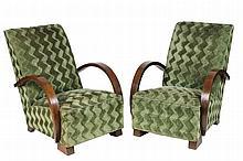 Travail 1930/40 Paire de fauteuils en placage d'acajou, accoudoirs arrondis, tissu d'origine 82 x 61 x 70 cm