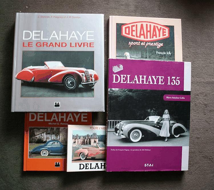 Delahaye, lot comprenant Delahaye, Sport et Prestige par François Jolly, éd. Grancher, 1981, Delahaye, le grand livre par J. Dorizon, JP Dauliac et F. Peigney, EPA, 1995, Delahaye 135 par M-A Colin, ETAI, 2003, on y joint Toutes les Delahaye par M.