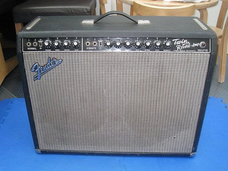 Peter Green used Fender black faced twin-reverb combo 1964 amplifier