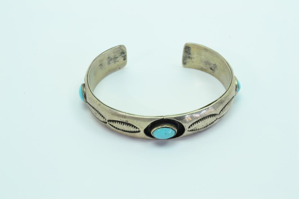 Vintage Native American Navajo Sterling Silver Turquoise Shadow Box Cuff Bracelet 22G