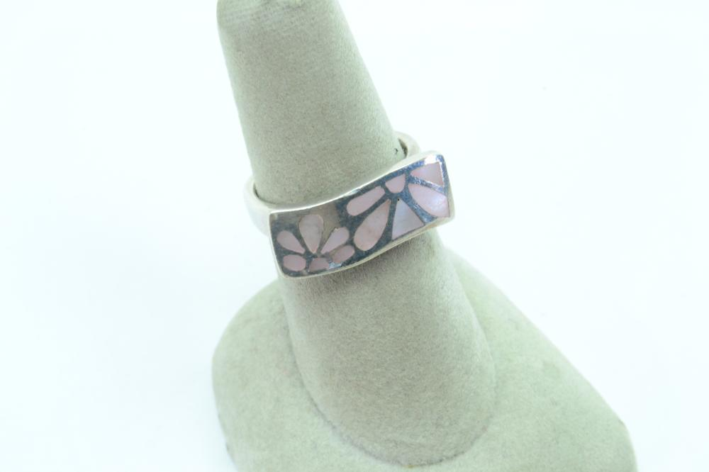 Sterling Silver Pink Shell Mop Flower Inlaid Panel Fashion Ring 5.4G Sz6.75