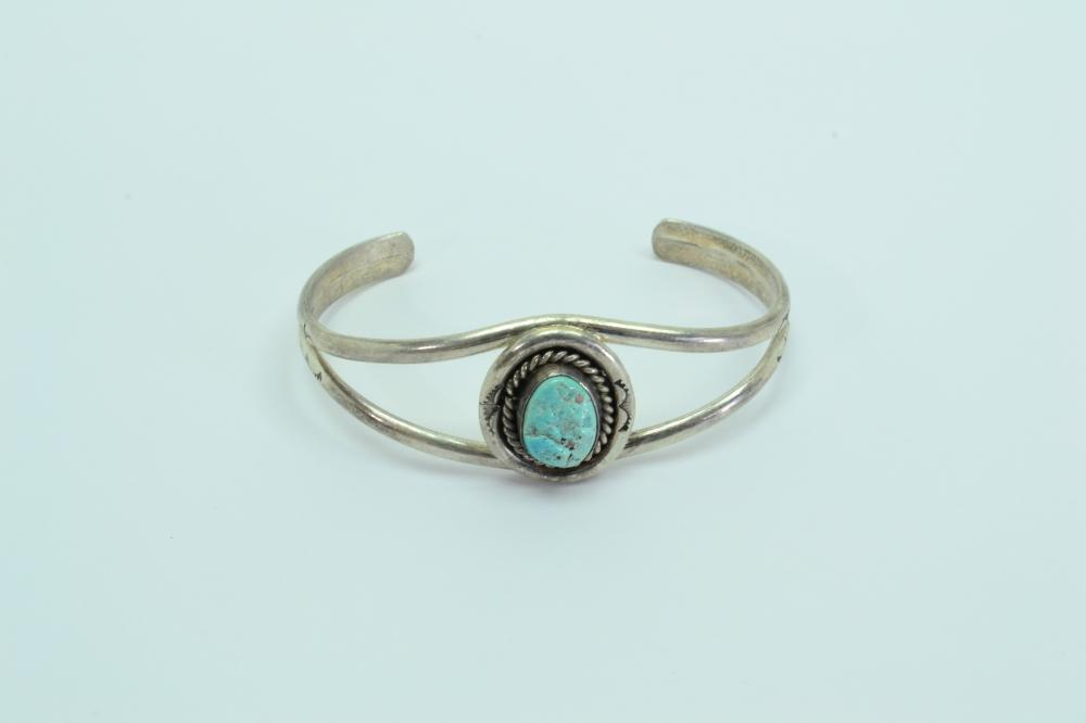 Vintage Native American Navajo Sterling Turquoise Nugget Cuff Bracelet 16G