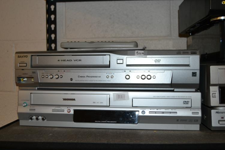 2 Sanyo And Toshiba Dvd Vcr Combo Units