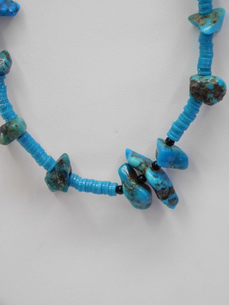 Lot 82: Vintage Navajo Bisbee And Morenci Turquoise Bead